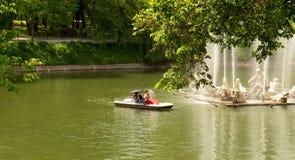 Les gens dans le bateau Photo libre de droits