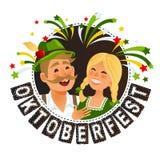 Les gens dans le costume bavarois allemand traditionnel tenant la bande dessinée oktoberfest de tasses de bière Photographie stock