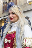 Les gens dans le costume de luxe à Venise, Italie 2015 Photographie stock libre de droits
