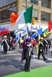 Les gens dans le défilé du jour de Patrick de saint Photo libre de droits