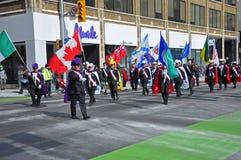 Les gens dans le jour du ` s de St Patrick défilent, Ottawa, Canada Photos stock