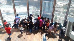 Les gens dans le khalifa de bruj Image stock
