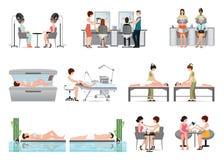 Les gens dans le salon de beauté de station thermale et le divers isolat de procédures de beauté Image libre de droits