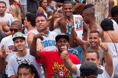 Les gens dans les rues de Rio de Janeiro pendant le carnaval Images libres de droits
