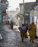 Les gens dans leurs activités courantes de matin qui presque sans changement pendant plus de quatre cents années Harar l'ethiopie image libre de droits