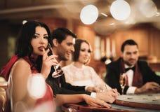Les gens dans un casino Photos libres de droits