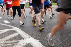 Les gens exécutant dans le marathon Photos libres de droits