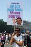 Les gens expliquent à Paris Image libre de droits