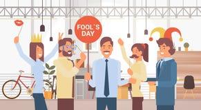 Les gens groupent célébrer le jour April Holiday Greeting Card Banner d'imbécile Photos stock