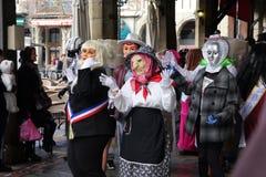 Les gens habillés pendant le carnaval de Limoux photos stock