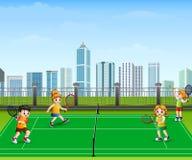 Les gens jouent le tennis extérieur illustration stock
