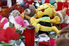 Les gens ont réuni sur le ` s Rambla de Barcelone après atack de terroriste photos stock
