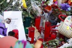 Les gens ont réuni sur le ` s Rambla de Barcelone après atack de terroriste photographie stock