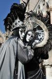 Les gens posant dans le costume dans le carnaval de Venise, Italie 2015 Photos stock