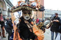 Les gens posant dans le costume de luxe à Venise, Italie 2015 Photographie stock