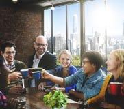 Les gens rencontrant le concept d'entreprise de travail d'équipe de communication Image libre de droits