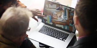 Les gens rencontrant le concept de travail d'équipe d'imagination de créativité d'idées photographie stock libre de droits