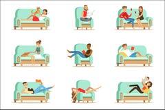 Les gens reposant à la maison la détente sur le temps gratuit et le repos Seris de Sofa Or Armchair Having Lazy d'illustrations illustration de vecteur