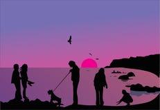 les gens silhouettent le coucher du soleil illustration stock