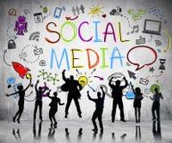 Les gens silhouettent sur le fond social de media Image libre de droits