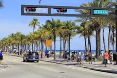 Les gens sur A1A au boulevard d'Olas de Las Photo libre de droits