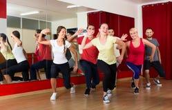 Les gens sur la leçon de danse Image libre de droits