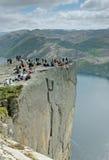 Les gens sur la roche photo libre de droits