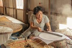 Les gens sur la rue du pays asiatique - le Vietnam et le Cambodge Photo stock