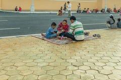 Les gens sur la rue du pays asiatique - le Vietnam et le Cambodge Images stock