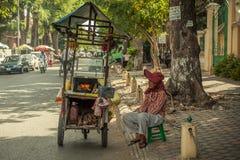 Les gens sur la rue du pays asiatique - le Vietnam et le Cambodge Image libre de droits
