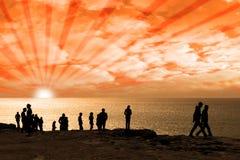 Les gens sur le bord de falaise Image libre de droits