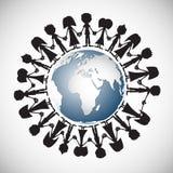 Les gens tenant des mains autour du globe Photographie stock