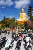 Les gens vont à la pagoda Photo stock