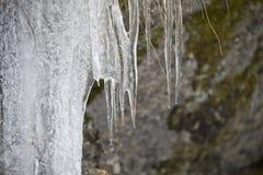 Les glaçons détaillent dans l'horaire d'hiver de neige Photos libres de droits