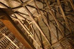 Les gouttières en bois d'Axente divisent l'église, Roumanie Image stock