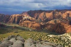 les grès de gorge neigent en Utah Images libres de droits