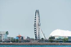 Les grands ferris roulent dedans le centre ville de Chicago photo libre de droits