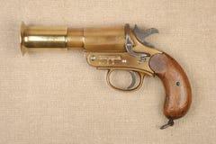 Les grands militaires de la guerre WW1 évasent pistolet Photos libres de droits
