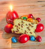 Les gâteaux ont appelé Pasca fait avec du fromage et des raisins secs, col traditionnel Image libre de droits