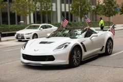 Les héros américains défilent photo stock