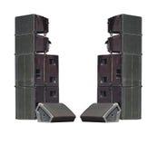 Les haut-parleurs audio industriels de vieux concert puissant d'étape ont isolé o Photo stock