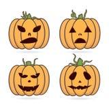 Les hiboux mystiques plats de Halloween dans la sorcière piratent le chapeau illustration libre de droits