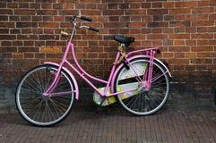 Les Hollandes iconiques d'Amsterdam Hollande de bicyclettes Photos libres de droits