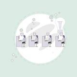 Les hommes d'affaires groupent le concept créatif fonctionnant de bureau de Team Business People Sitting Office Photographie stock