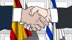 Les hommes d'affaires ou les politiciens se serrent la main contre des drapeaux de l'Espagne et de l'Israël Réunion ou coopératio illustration libre de droits