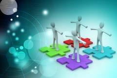 Les hommes d'affaires se tiennent sur différents morceaux colorés de puzzle Images libres de droits