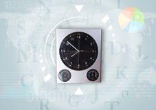 Les horloges avec le monde chronomètrent et financent le concept d'affaires Photo stock