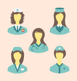 Les icônes ont placé des infirmières médicales dans le style plat moderne de conception Photographie stock libre de droits