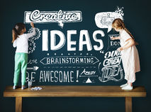 Les idées inspirent le concept de motivation de pensée créative Images stock