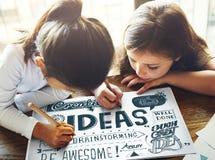 Les idées inspirent le concept de motivation de pensée créative Photos libres de droits